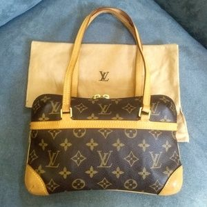 LOUIS VUITTON Coussin PM - Rare!